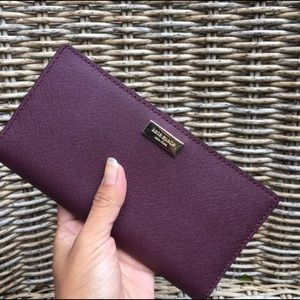 💕🍀Kate Spade Stacy wallet🍀💕